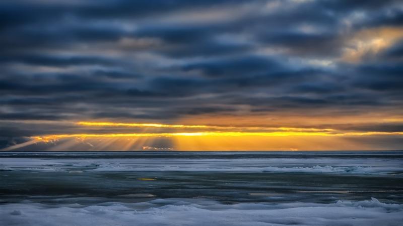 Talvine päikeseloojang Varblas
